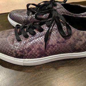 "Kenneth Cole Leather ""snakeskin"" sneaker 9"